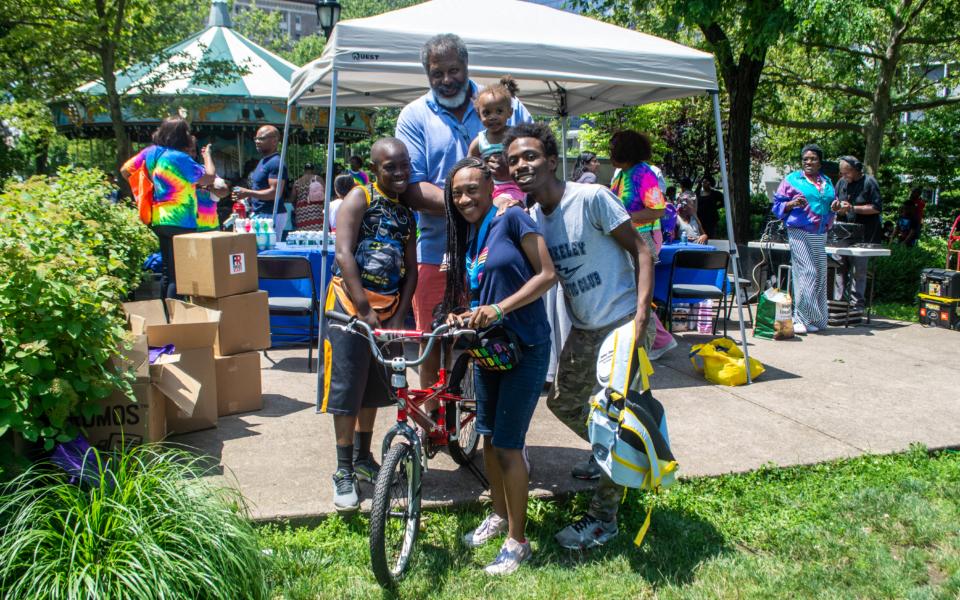 FamilyFunDay BikeGiveaway2